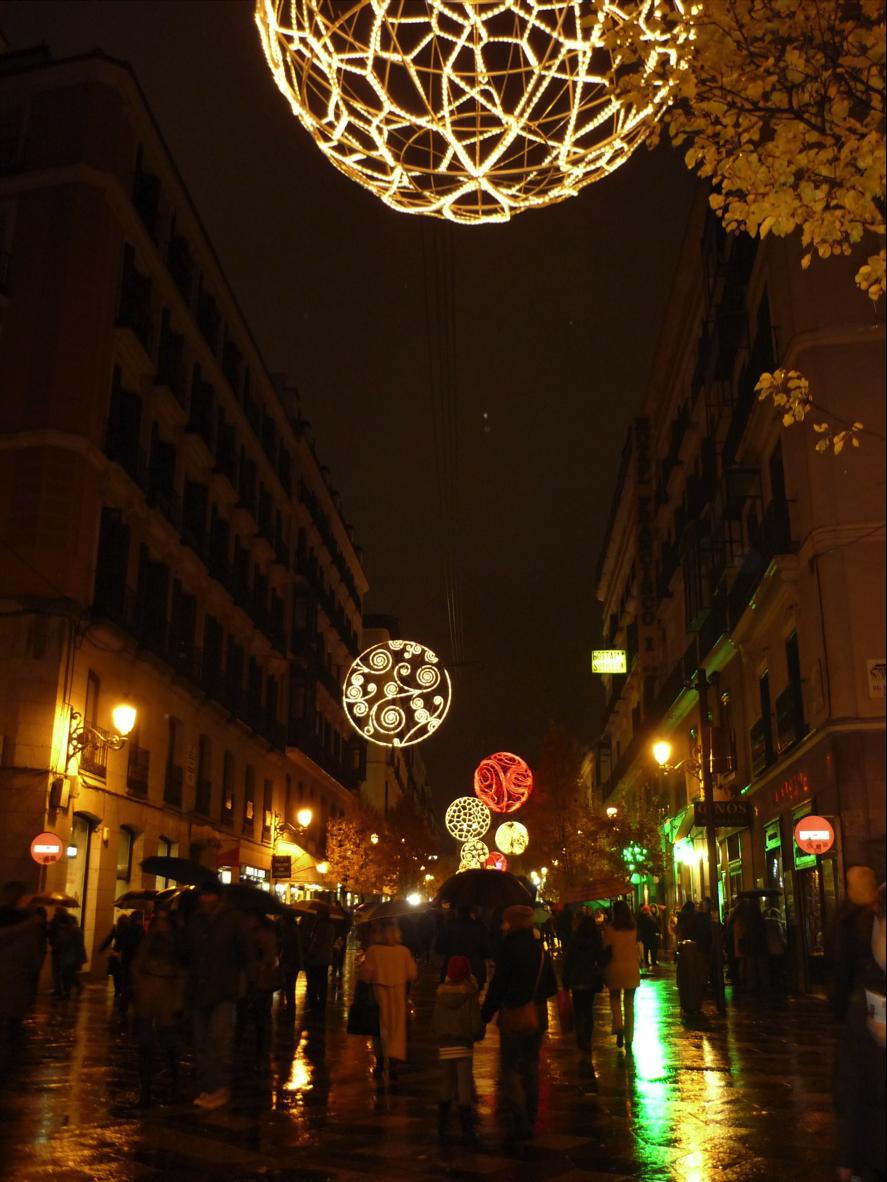 Madrid se engalana en Navidad