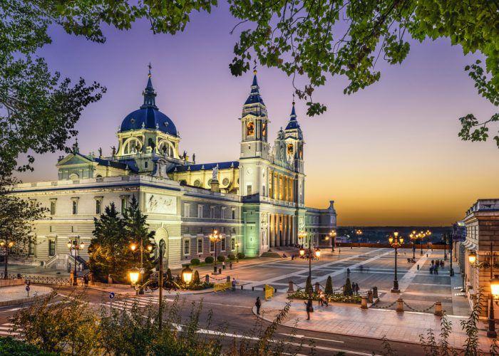 オススメマドリード観光スポット⑤歴代スペイン王が暮らした宮殿 マドリード王宮