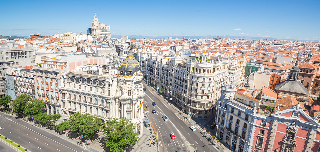 A stroll around Madrid visiting the most luxurious shops